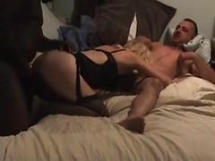 Sexy amateur wife in interracial cuckold homemade gangbang